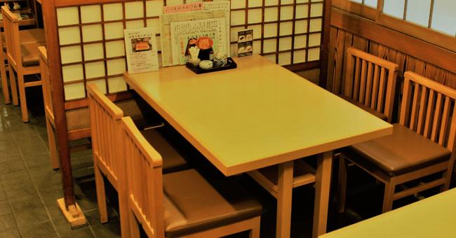 いづもや_テーブル席
